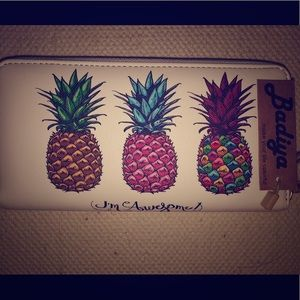 "Badiya ""I'm Awesome"" Zipper Pineapple Wallet, NWOT"